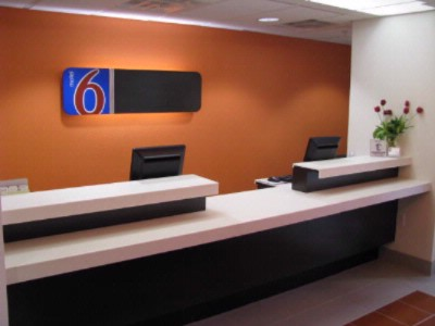 Front Desk 5 of 16
