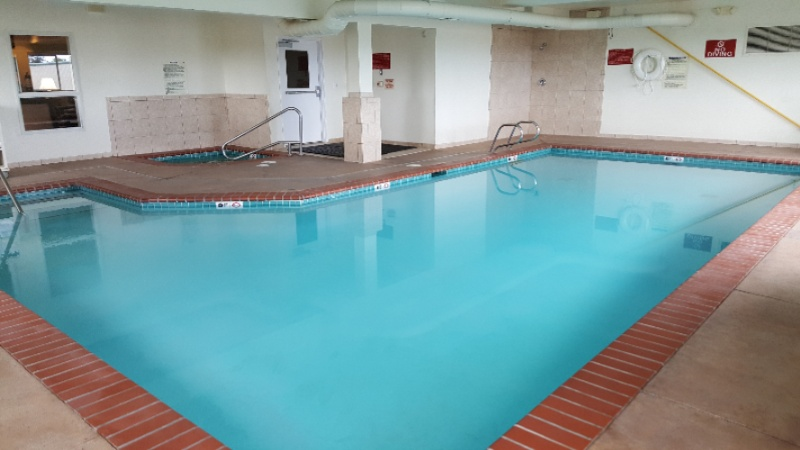 Indoor Pool & Hot Tub 4 of 7