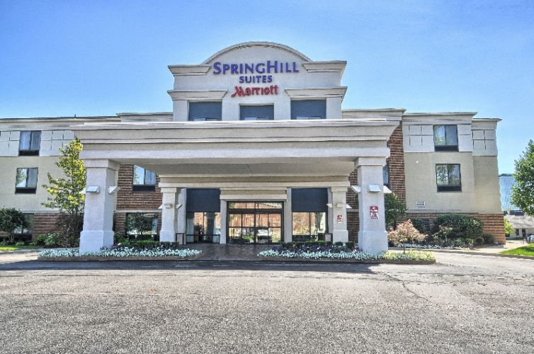 Springhill suites by marriott southfield mi 28555 for Motor city mini southfield