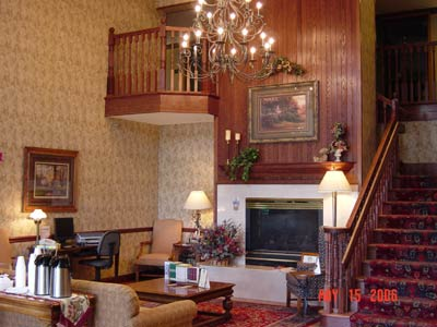 Lobby With A Warm And Comfortable Atmosphere 7 of 15