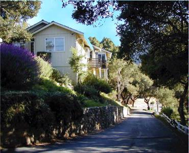 COUNTRY GARDEN INNS Carmel Valley CA 102 West Carmel Valley Rd