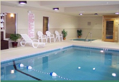 Indoor Pool Jacuzzi And Sauna 3 of 6