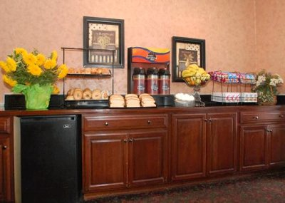 Deluxe Sunshine Continental Breakfast 3 of 7