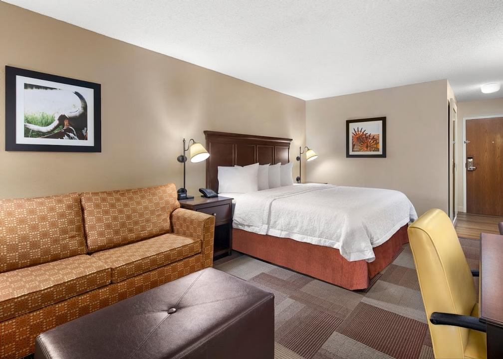 Hampton Inn Irving/las Colinas 6 of 11