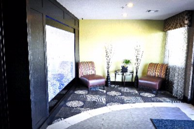 Lobby Waiting Area 5 of 16