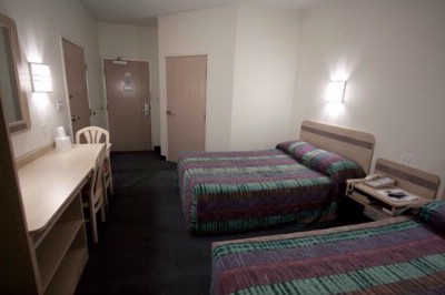 Yuba City California Hotel Double Beds In Room 7 of 12