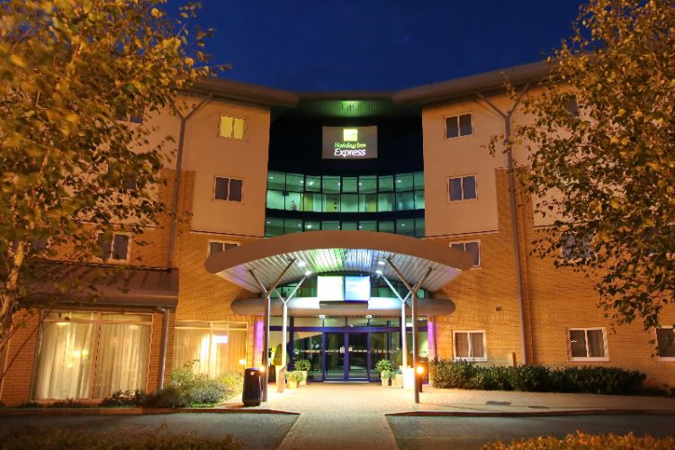Holiday Inn Express Southampton M27 Jct7 1 of 9