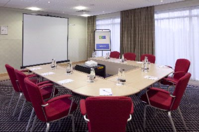 5 Meeting Rooms Available Up To 52 Delegates 8 of 9