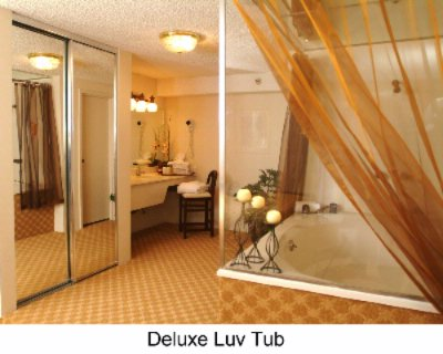 Love Tub Suite 20 of 23