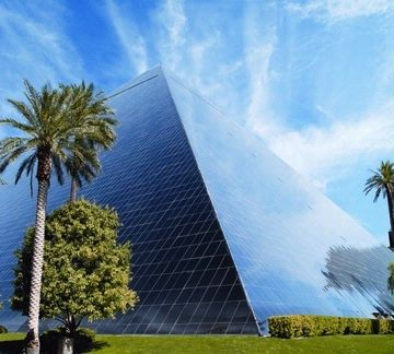 Luxor Hotel & Casino 1 of 17