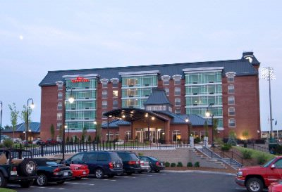 Hilton Garden Inn Downtown Manchester 1 of 15