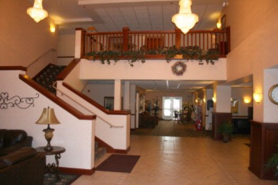 The Plaza Hotel & Suites Of Winona Lobby 3 of 10