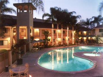 Best Western Diamond Bar Hotel & Suites Pool At Night