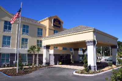 Best Western Plus Chain of Lakes Inn & Suites 1 of 11