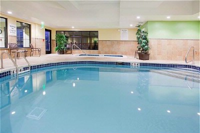 Heated Indoor Pool And Hot Tub 4 of 7