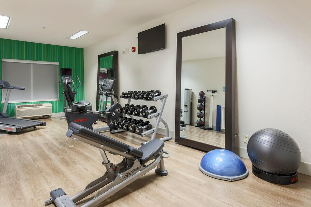 Fitness Center 5 of 18