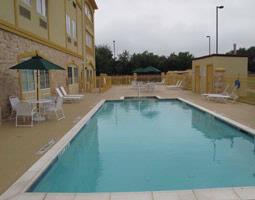 Exterior Pool 2 of 9
