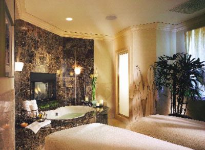 Spa Gaucin Couple\'s Treatment Room 8 of 15