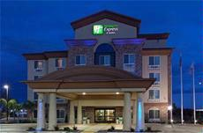 The Beautiful Holiday Inn Express Fresno South 9 of 11