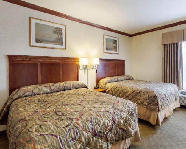 Suitesspecialtyrooms6 17 of 28