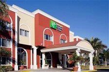Holiday Inn Express & Suites Bradenton West 1 of 16