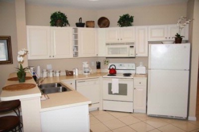 Full Kitchens In Each One Two And Three Bedroom Condo 4 of 20