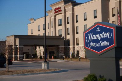 Hampton Inn & Suites Enid 1 of 7