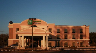 Holiday Inn Express Hotel & Suites Perry 1 of 16