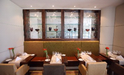 Enjoy Relaxed Dining In The Bright & Airy Caprice Restaurant 5 of 31