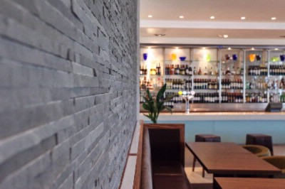 Stylish Monty\'s Lounge -Ideal For Informal Meetings 6 of 31