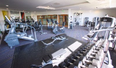 Vibrant Esprit Gym With Latest Life Fitness Equipment 9 of 31