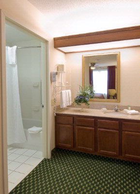 Bathrooms Also Have Granite Counter Tops With Vanity Seperate From Bathroom Itself. 11 of 13
