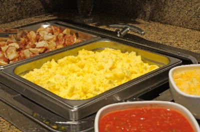 Complimentary Hot Breakfast 7 of 12