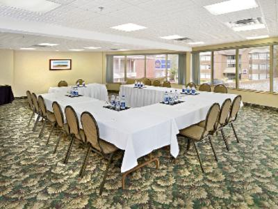 Cabot Room-Natural Lighting 9 of 9