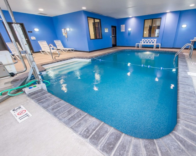 Indoor Heated Pool 8 of 12