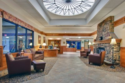 Our Spacious And Comfortable Lobby 4 of 12