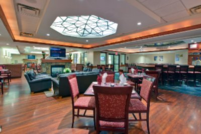 Join Us For Dinner Or Drinks At Harper\'s Restaurant And Lounge 5 of 12