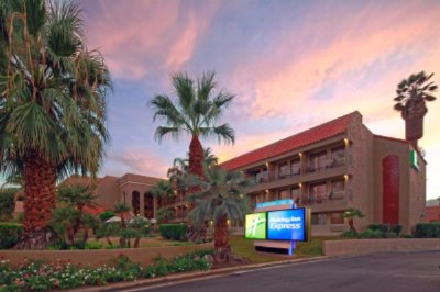 Holiday Inn Express Palm Desert Rancho Mirage / Go 1 of 16