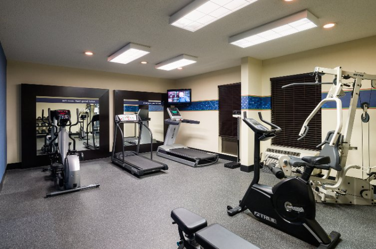 Fitness Room 6 of 6