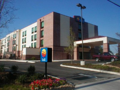 Image of Comfort Inn & Suites Airport