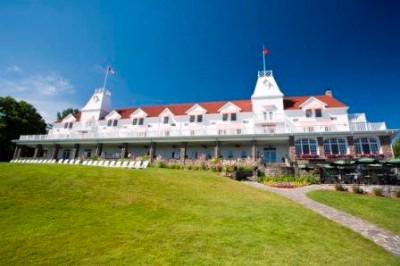 Bracebridge on hotels with swimming pools ontario for Windermere hotels with swimming pools