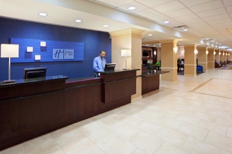 Welcome To The Holiday Inn Express Springfield 13 of 20
