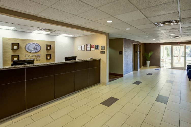 Front Desk & Lobby 3 of 14