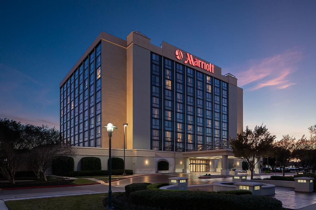 Houston Marriott South at Hobby Airport 1 of 9