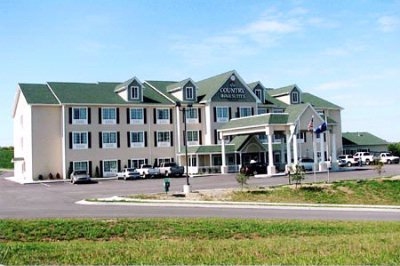 Red Roof Inn & Suites 1 of 5