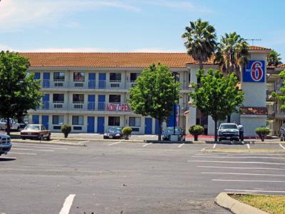 Motel 6 Fairfield / Nappa Valley 1 of 7