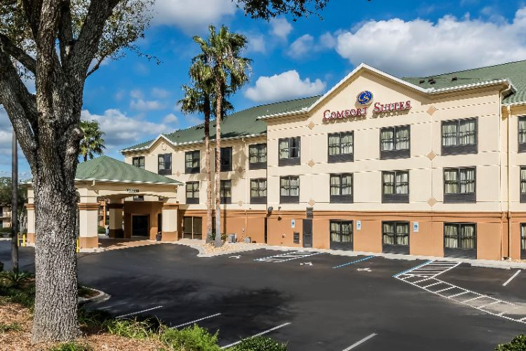 Comfort Suites Tallahassee 1 of 17
