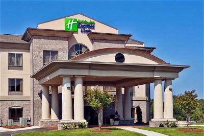 Holiday Inn Express & Suites Opelika 1 of 10