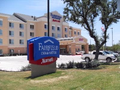 Fairfield Inn & Suites San Antonio North Stone Oak 1 of 8
