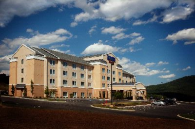 Fairfield Inn & Suites I 24 / Lookout Valley 1 of 12